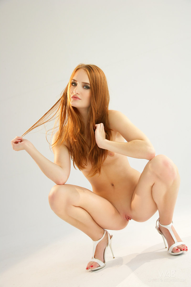 young naked girls squatting