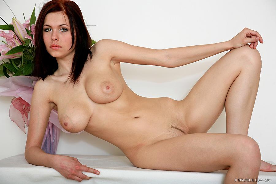 european milf babe silvia saint fingering her wet hole in a hot