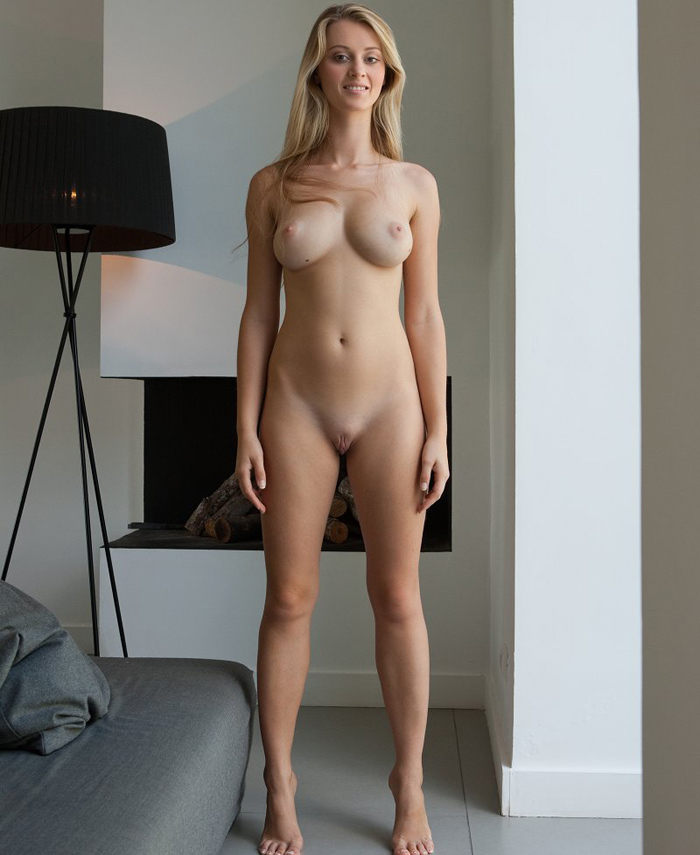 Carisha Hello Again To Femjoy